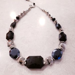 White House Black Market Chunky Necklace